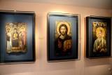 В галерее икон
